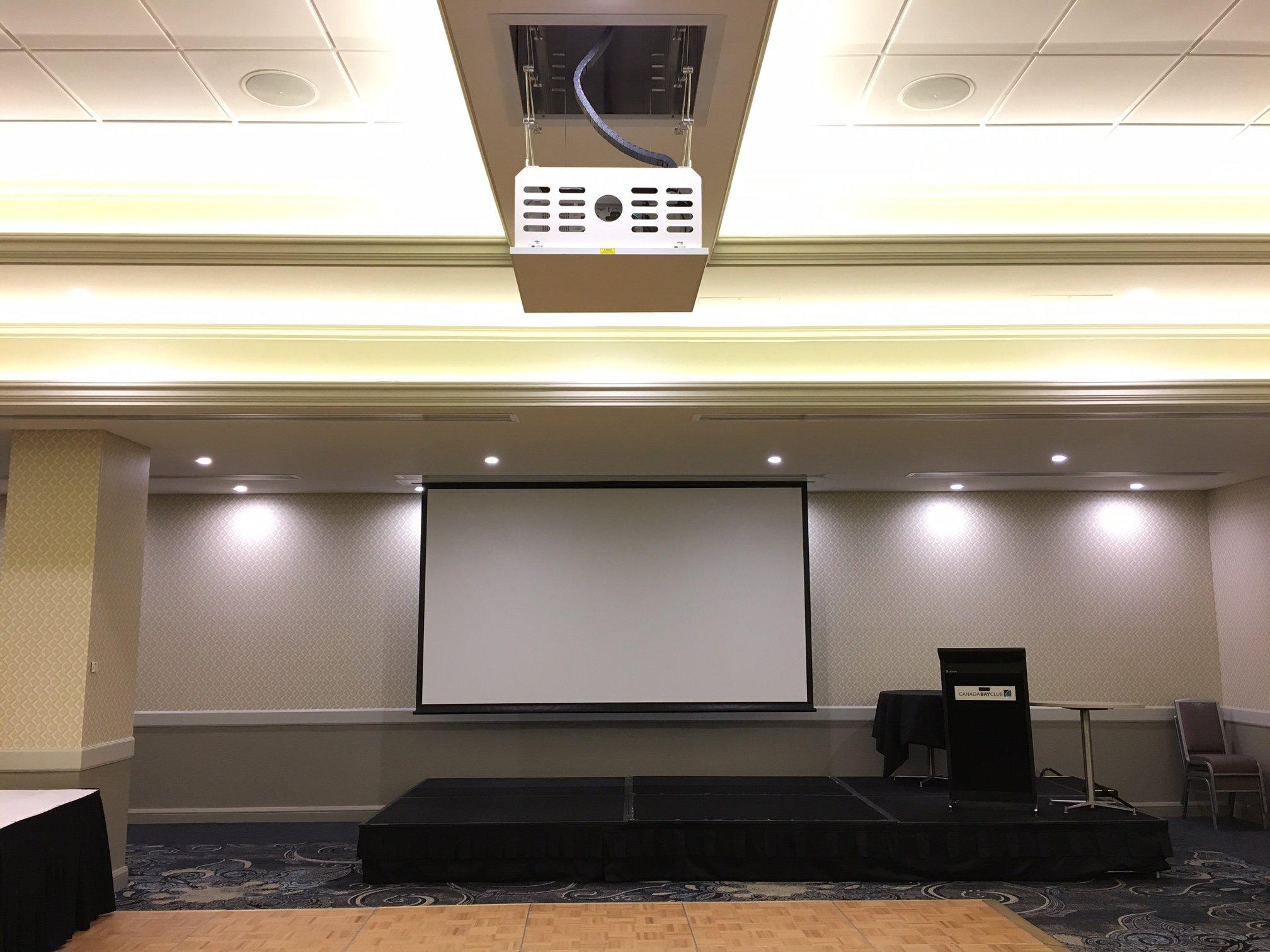 Canada Bay Club - Projector